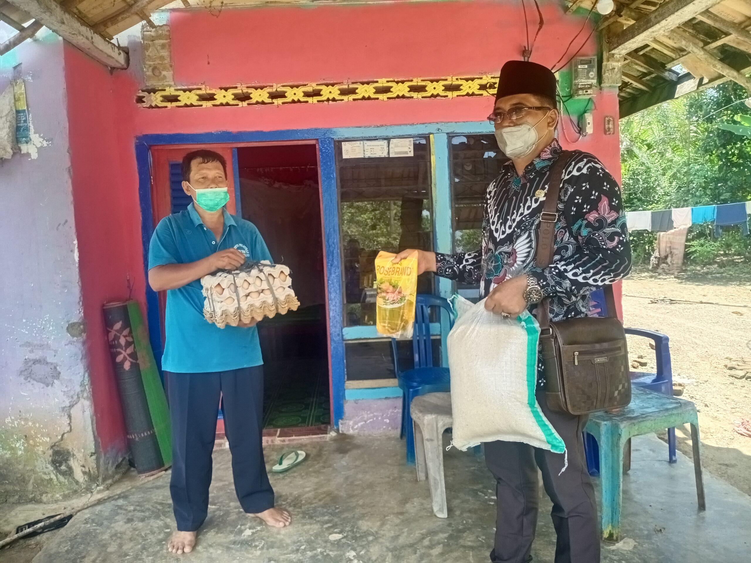 Wawan Hadi Suwito Serahkan Bantuan Sembako
